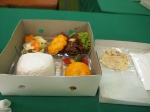 コルニタ高校での昼食